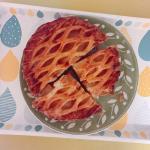 ・・原宿スイーツや伝統フランス菓子のコロンバンの青森県産紅玉リンゴを贅沢に使用したこだわりのアップルパイを頂きました。こちらのプレミアムアップルパイ🍎冷凍のまま到着。長い間…のInstagram画像