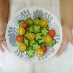 【野菜嫌いなこどもがきゅうりを食べるゴマドレ】うちのこどもたち、偏食です野菜もほぼ食べませんそんな我が子に奇跡が‼️きゅうりにゴマドレ…のInstagram画像
