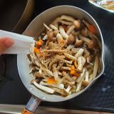 「◎やさしいふりだし≪まるさん≫を使うと出汁の味がばっちり決まって料理上手に◎」の画像(2枚目)