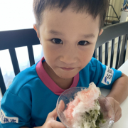 「かき氷食べるよ〜」【親子で仲良しお写真♪】大切なお子様・忙しいママのための乳液!東原亜希&高橋ミカ開発の投稿画像