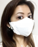 ⭐️マスクの肌荒れ対策に♬@al.phax.rakuten 様の潤いシルクのインナーマスクについて✨・・・※マスクは自前の布マスクを使用しています。インナーマスクの…のInstagram画像