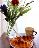 #ピカクロ#クロワッサン#ピカールフード@picardjapon 今日も焼き立てクロワッサン🥐珈琲とヨーグルトとクロワッサンだけでとても幸せなバターの香りのクロワッサン🥐朝食美…のInstagram画像