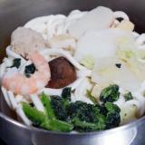 「なべやき屋キンレイのお水がいらない 鍋焼うどん」の画像(2枚目)