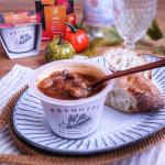 濃厚ボルシチのレンジカップスープでランチこの時期にぴったりな、レンジで温めるだけで野菜がたくさん取れるスープを試させていただきました。モンマルシェ様の野菜をMOTTOのレンジカップスー…のInstagram画像