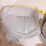 ゚+.*♡*.+゚モニターさせていただきます♡♡高嶺のブラジャー・ショーツセット キャンディボンボン脇スッキリタイプお試しさせて頂きましたグレーが届きました(。・ω…のInstagram画像
