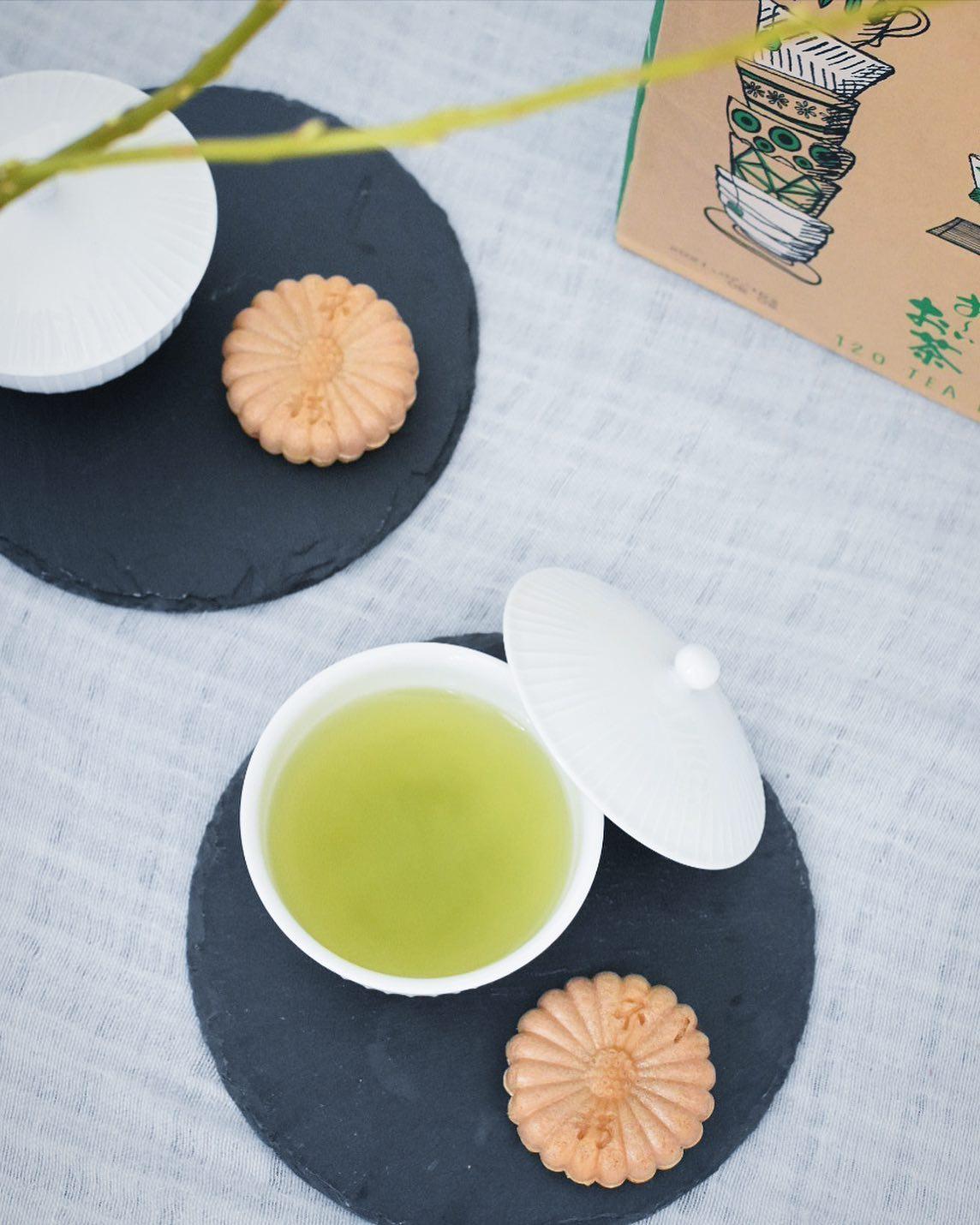 口コミ投稿:名古屋で最中といえば、の不朽園の最中で食後のお茶🍵   和菓子にはやっぱり緑茶…
