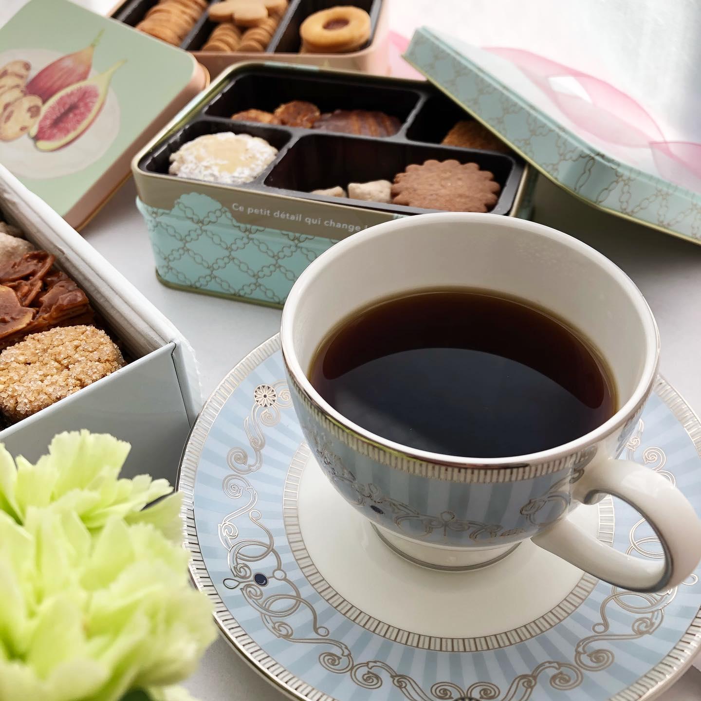 口コミ投稿:.焼き菓子でティータイム。.どれもおいしくて缶まで可愛くてイチジクのクッキーはと…