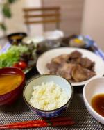 山形県の「雪若丸」で、柚子ご飯を炊いたよ♥ふっくらしていて、もちもちしていて、とても美味しかった😋😍🍴💗美味しくてご飯が進みました!明日は柚子ご飯と塩昆布でおにぎりにしよう…のInstagram画像