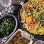 フィデウア(パスタパエリア)とパドロンでおうちバルパドロンは、スペインのしし唐みたいなお野菜。先日購入できたので、オリーブオイルで炒め揚げにして塩をパラパラ〰。いつもはしし唐で作るけれど、…のInstagram画像