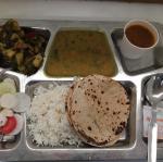 インドにて仕事をしている息子に #イタリアの味#GOYA #オリーブオイルのある暮らし #エキストラバージンオリーブオイル #monipla #goyaoliveoil_fan作ってあ…のInstagram画像
