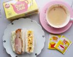 連投失礼します🙏💦💦.お弁当の残りのサンドイッチで#朝ごパン 🍞お供に @nittohblacktea.jp 日東紅茶さまのデイリークラブで😊ロイヤルミルクティーにシナモンシュガーでち…のInstagram画像