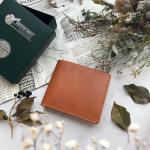 .バレンタインギフトにぴったりな英国製ブライドルレザー使用の二つ折り財布をプレゼント。.カード収納たっぷりでコインケースが大きく開くので使いやすく機能性バツグン!.上質なレ…のInstagram画像