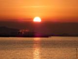 「【竹島の朝日 早起きは三文の徳】」の画像(2枚目)