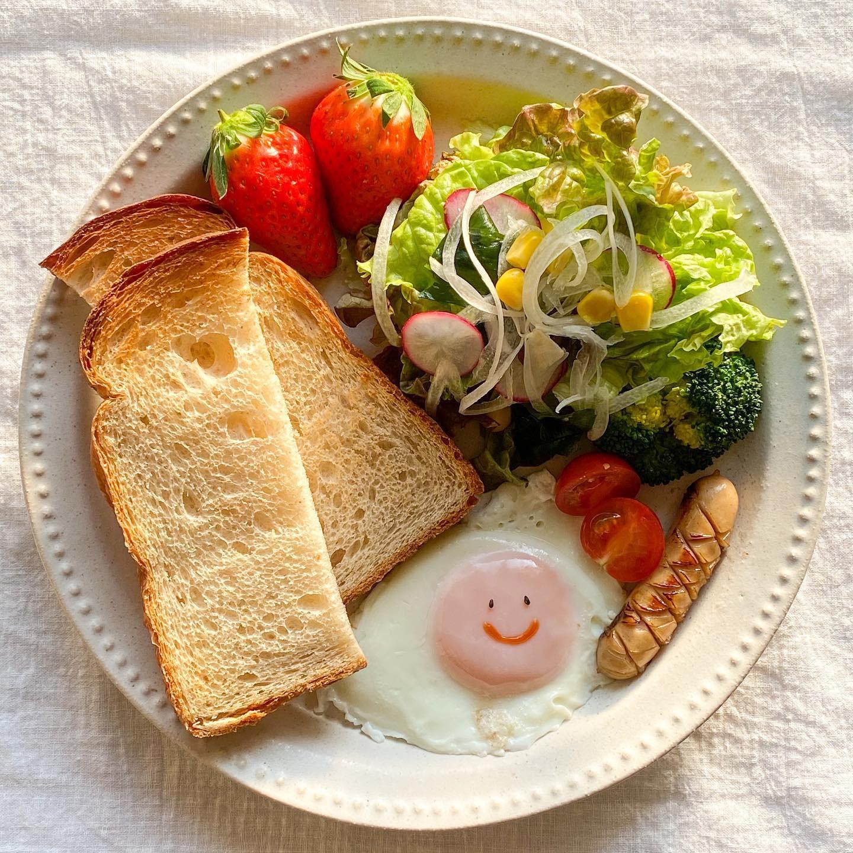 口コミ投稿:。🍽朝ごはん#カステット の#食パン で#朝ごパン ♪小麦の旨味を堪能できるシンプルさ…
