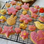 バレンタイン投稿続きます〜🙂今回バレンタインチョコを作るにあたって@kyoritsu_kitchen 様に頂いた溶かして使えるチョコやデコレーショングッズを使いました🍫3歳…のInstagram画像