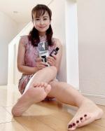 ・・@kakatorine KAKATOrineカカトリーヌモイストローション昨年から使い始めて、リピーターです🦶👍・オイルフリーなのに肌奥の角質層まで潤いを届けて…のInstagram画像