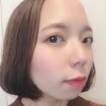 .⚠️⚠️どアップですみません⚠️⚠️今日は @pdc_jp のイベリスピメル ムースアイシャドウ春の限定色を使って春メイクをしてみました✨このアイテムはグロウパール&光沢…のInstagram画像