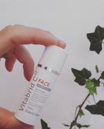 『 ビタブリッドCフェイス   ブライトニング』ビタブリッドCフェイスはお手持ちの化粧水に混ぜるだけで12時間継続的にビタミンCパックができちゃう美容パウダーです!い…のInstagram画像