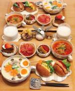 𓅿✎チキンのクリーム煮✎バターロールサンド✎ミネストローネ✎ピクルス( @michinoeki_tv 様に頂いたもの)✎トマトのおかか和え✎生チョコバターケー…のInstagram画像