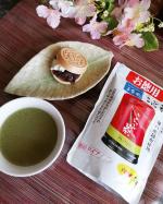 玉露園様のこんぶ茶でティータイムです♥️😊・毎日のおやつタイムにいただきました✨・さっとお湯に溶かすだけで簡単に飲めるのも嬉しい🍵・お茶としてだけでなく、お茶漬けにしたり、お肉…のInstagram画像