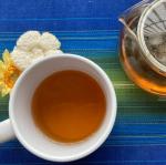 TIGERさんの生葉ルイボスティー。日本茶のような爽やかな香りでとっても飲みやすい(*´-`)飲んですぐそこまで体がぽかぽかと温まります♡冷え性の私にはありがたい〜お茶って…のInstagram画像