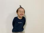 ..4月から進級して2歳児クラスの保育園生になるムスコ。ムスコの保育園は比較的決まりが少ないな〜って思ったのが、服の素材とかサイズ感、デザインに厳しくない所🤔厳しい所は、『キャラも…のInstagram画像
