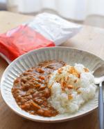 【LOHACO限定】レンジでぱぱっと野菜と鶏肉のカレー辛口1袋(4食入)@lohaco.jp 創業175周年を迎えるカレー・スパイスメーカーであるハチ食品がつくるLOHACO限定のレト…のInstagram画像