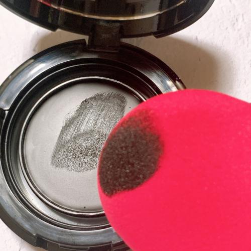 口コミ:パフで塗りやすくしっかり色が入る!の画像(1枚目)