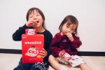 @bisco_cp さまのスマイルビスコをお試しさせて頂きました😊ビスコのパッケージに好きな写真や名前を入れてオリジナルデザインのビスコが作れちゃいます😳✨子供達は普段食べてるビスコだ…のInstagram画像