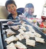 子どもたちの喜ぶ顔がみたくて・子どもたちが喜ぶおうちごはんを考えます☺️・GWはおうちで過ごすので少しでも気分をかえて、お家焼肉で楽しくしました🤤🥩・子どもたちのお…のInstagram画像