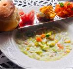 野菜たっぷりスープ🥦🥬にパン、生ハム、かぼちゃサラダ、キャロットラペ#野菜をMOTTO #野菜をもっと #冷たいスープ #スープ #ベジMOTTO #簡単ベジ #monipla #monmar…のInstagram画像