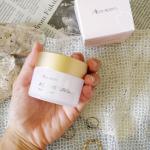 佐藤薬品工業株式会社さんのMEDIMERRY✨AQMOISTURISER✨濃密×密着保湿を叶えるクリーム乾燥肌対策にとても優れていてこっくりとしたテクスチャー✨乾燥…のInstagram画像