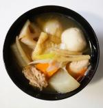 ・・・〜けんちん汁〜 ・・・・・・・・里芋、ごぼう、れんこん、人参、大根、鶏肉、油揚げ、玉ねぎ、生姜、ネギ、野菜たっぷりけんちん汁を作りました。オーソドックスなけんちん…のInstagram画像
