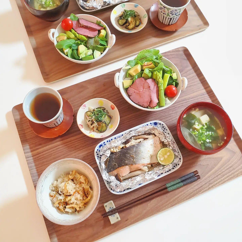口コミ投稿:・おうち時間と#yui_meshi 🍚いつかの晩御飯📷️ありもの野菜とパストラミのサラダオホ…