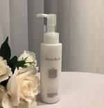 「ホワイトラッシュ 美白乳液」医薬部外品の美白乳液です。美白成分として有名な水溶性プラセンタ配合やお肌のくすみなどを予防してくれるシルバーパイン果汁エキス成分がシミやくすみお肌に潤いも…のInstagram画像