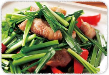 【おすすめレシピ】豚にらごま油炒め