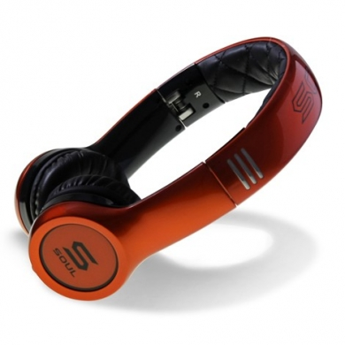 極太サウンド設計の最高級ヘッドフォン