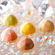 石屋製菓の取り扱い商品「宝石のような形「キャンディチョコレートジュエリー8個入」20名様にプレゼ ント」の画像