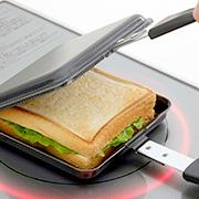 【お家でごちそうホットサンド】IH電磁調理器にも対応!キャンプにもおススメ「両面エンボス鉄製トースターパン」
