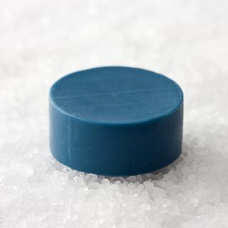 【藍色工房】藍染め石けん「ブルームーン」・60g (入浴用)