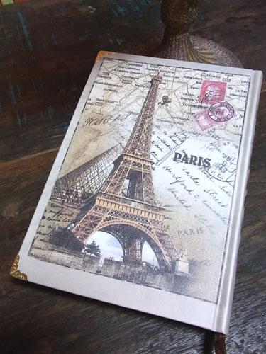 エッフェル塔のデザインが目を引くパリスノート
