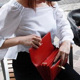 「Litta Glitta 母子手帳クラッチ(ブリンキー合同会社)」の商品画像