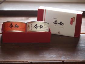 「【期間限定】令和ラベル紅白セット(唐辛子&にんにく2缶セット)(株式会社モンマルシェ)」の商品画像の3枚目