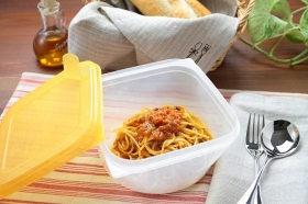 「レンジでおいしい本格生パスタバラエティセット(調理用タッパー付)(株式会社ポポラマーマ)」の商品画像