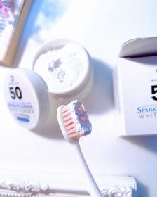 「スパークリングイレーサーホワイトパウダー(有限会社サプライズ)」の商品画像の3枚目