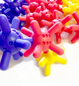 「つのつのサイコロ 30個入り おもちゃ0才から100才(日本化工機材株式会社)」の商品画像