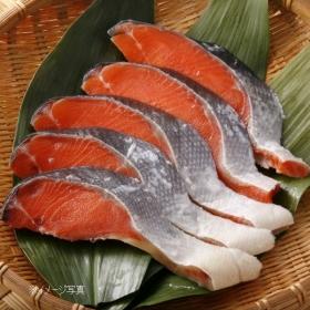 「辛塩紅鮭の切身(株式会社かば田食品)」の商品画像
