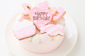 「アイシングクッキー乗せ プリンセスケーキ 5号 15cm(株式会社FLASHPARK)」の商品画像