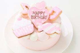 株式会社FLASHPARKの取り扱い商品「アイシングクッキー乗せ プリンセスケーキ 5号 15cm」の画像