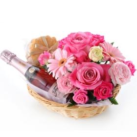 「【母の日の贈りもの】ロゼワイン&フラワーアレンジメント(株式会社アンデルセン)」の商品画像